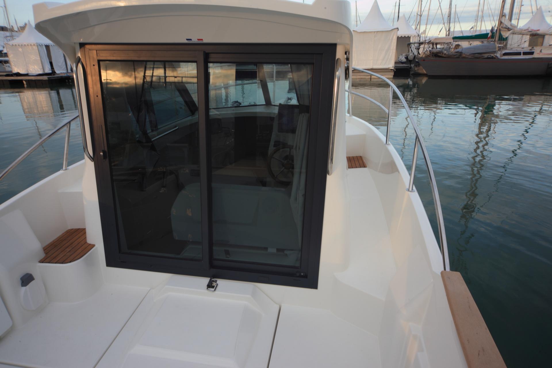 Barco de recreo ocqueteau timonier 625 inboard nuestra for Dimensiones cabina inodoro